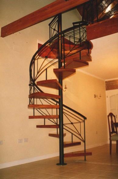 Related pictures escalera caracol hierro y escalones de - Escalera hierro y madera ...