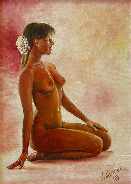 Mujer con flor en el pelo