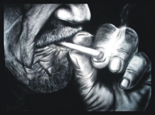 Anciano fumando