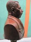 Obras de arte: America : México : Mexico_Distrito-Federal : iztapalapa : Busto al General Lázaro Cárdenas del Río