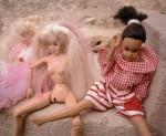 Obras de arte: Europa : España : Catalunya_Barcelona : Viladecans : muñecas jovencitas