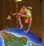 Obras de arte: Europa : España : Catalunya_Barcelona : Badalona : náufrago cósmico en balsa de lujo